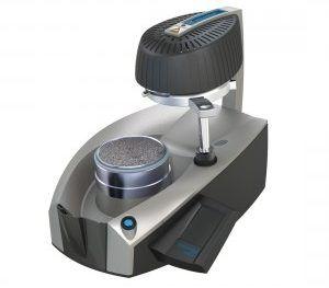 Erkoform 3D Motion - urządzenie firmy Erkodent do podciśnieniowego formowania wgłębnego z zautomatyzowanym procesem formowania.